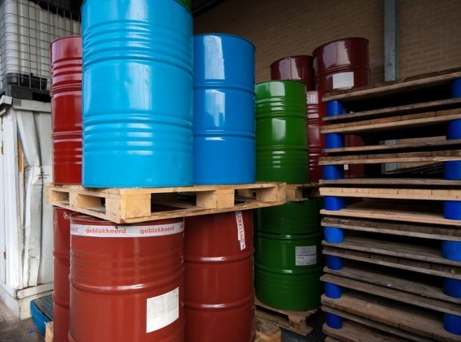 Deufol-Hazmat-Barrels