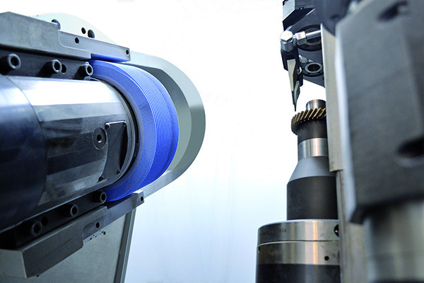 In depth: Eliminating the physical shifting axis on the G 160 Gear Grinding Machine
